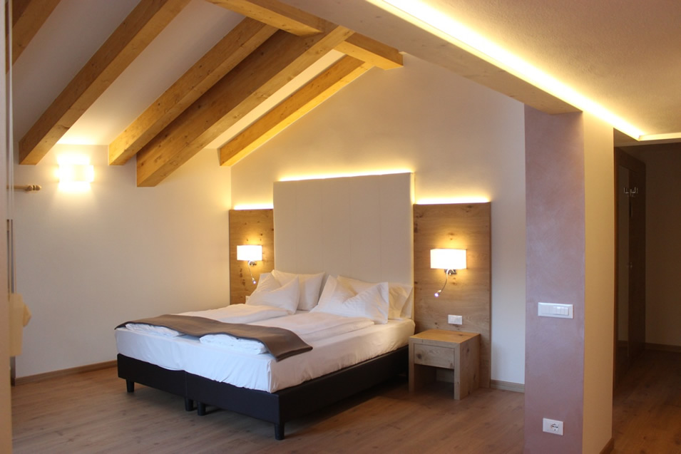 Stay In Pinzolo Rooms With Wi Fi Led Tv And Balcony With Mountain View
